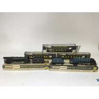 Included are 3 wren oo  gauge locomotives, includi…