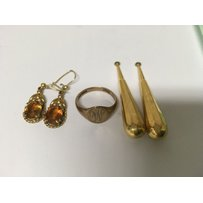 Two pairs of 9 ct gold earrings and 9 ct gold ring