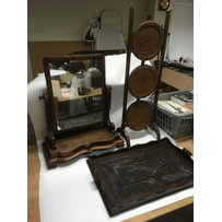 A mahogany dressing table mirror, cake stand and a tray