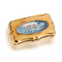 An antique eighteen karat gold and diamond box